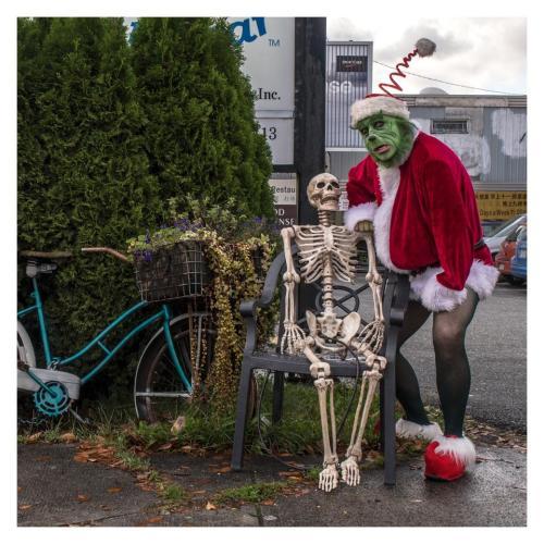 la squelette et le grinch