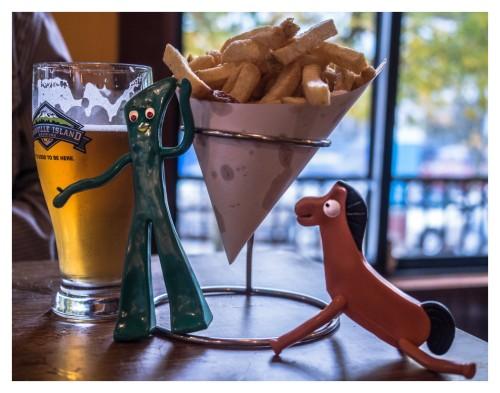 gumby avec biere et frites